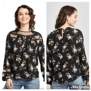Xhilaration Floral Round Neck Illusion Top Medium